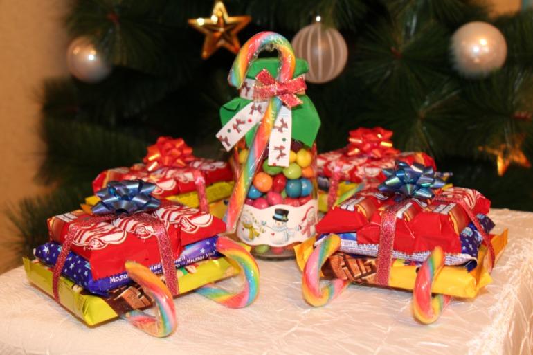 Новогодние сладкие подарки сани 5312