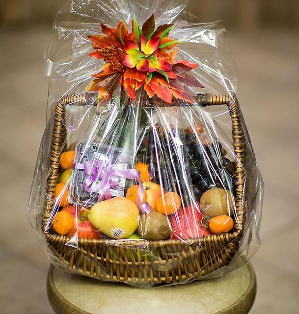 Корзина с фруктами в подарок на день рождения своими руками
