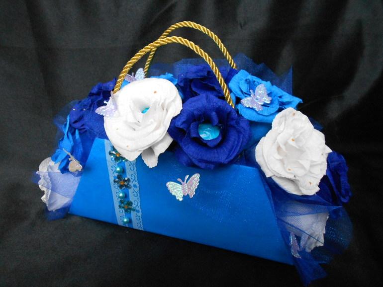 Моя первая сумочка ))