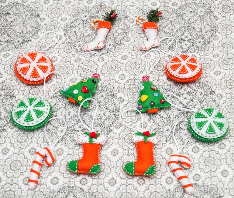 Белый-зеленый-оранжевый)))