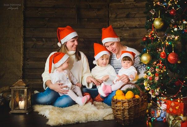Хочу  подарить  всем  немного  новогоднего  настроения!)