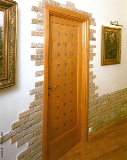 Как выложить камнем дверь