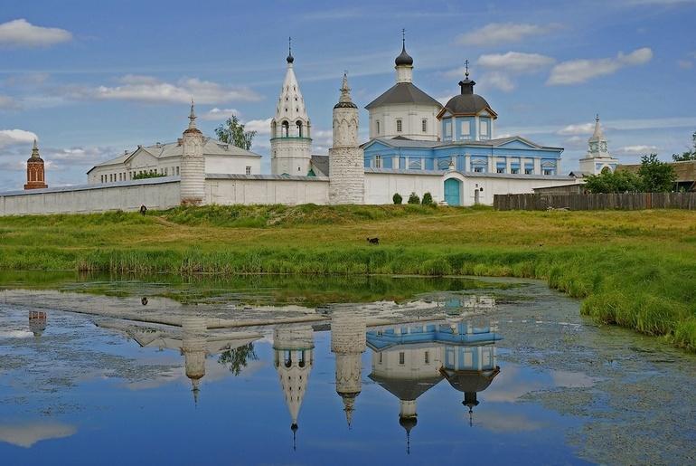 Бобренев монастырь и Феодоровская чудотворная.