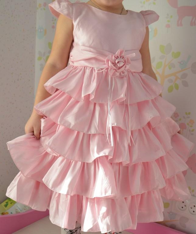 Готовимся к новому году!!!!!!!  Платья для наших принцесс в наличии!!!!!!!!!