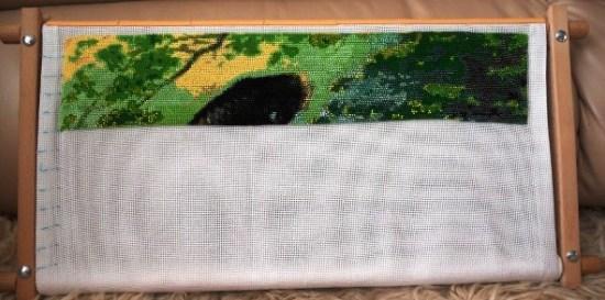 Карпы-прыгуны (процесс вышивки