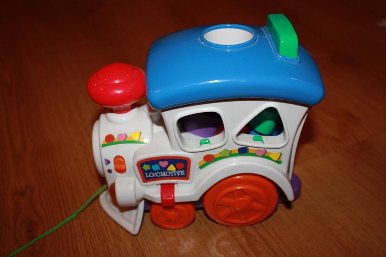 Отдам даром игрушку-паровозик, б\у