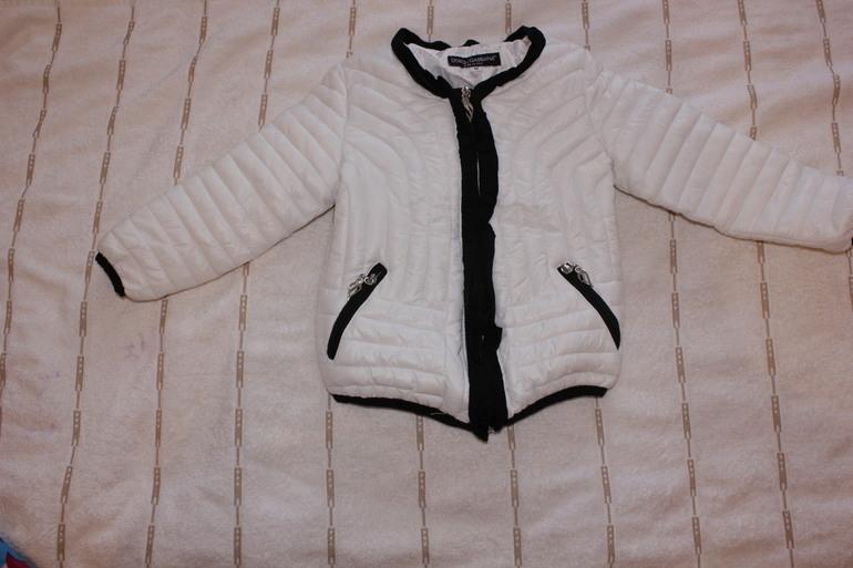 Продам вернхнюю одежду для девочки