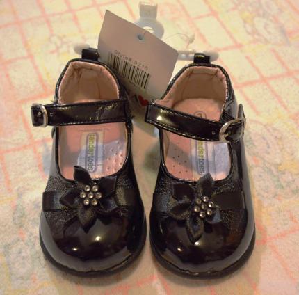 Новые туфли на праздник для маленькой красавицы, лакированные !