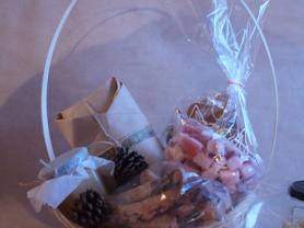 Новогодние корзины с выпечкой и сладостями!