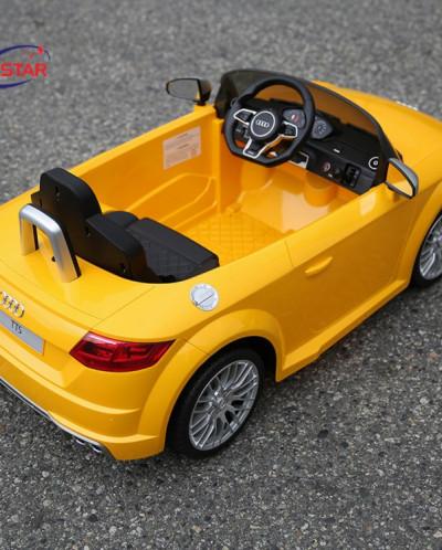 Радиоуправляемый электромобиль Rastar 82500 Audi