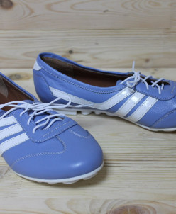 Кожаные кроссовки.
