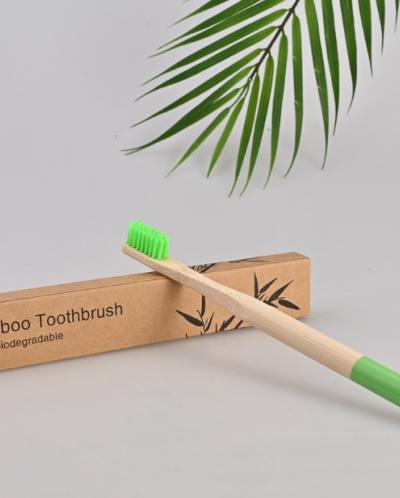 Зубная щетка бамбуковая ЦВЕТНАЯ