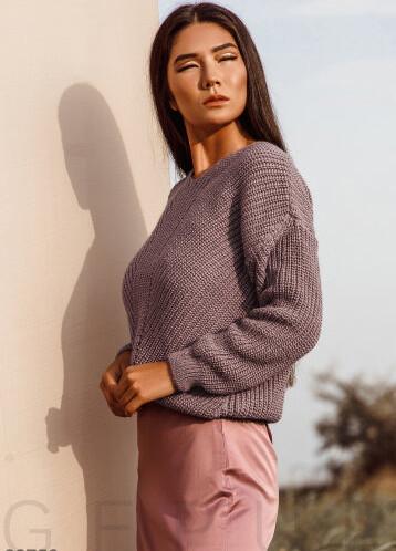 Короткий пуловер лилового оттенка