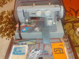 Швейная машинка Подольск 142 в чемодане