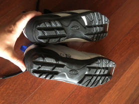 мужские лыжные ботинки Fisher 41-42 р