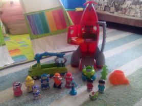 Ракета Happyland ELC и инопланетяне с машиной