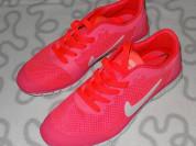 Новые кроссовки Nike, 40 размер