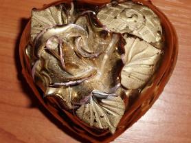 Шкатулка золотистая керамика 9х8 см