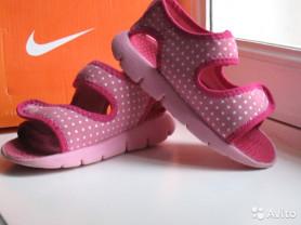 Сандалии Nike р.24.