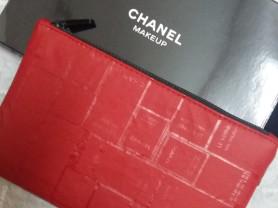Chanel шанель косметичка большая 30 см в коробке