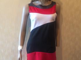 Стильное итальянское платье с короткими рукавами Motivi (размер М)