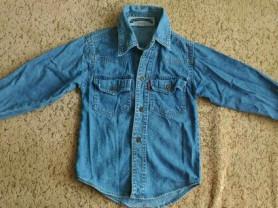Джинсовая рубашка Levis на 3-4г.
