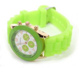 Часы для девочек №1