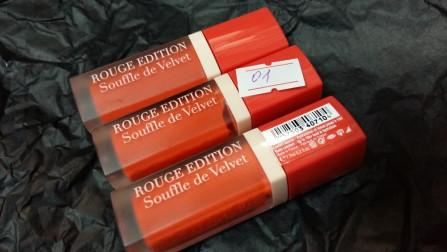 Bourjois souffle de velvet  матовый флюид для губ 01