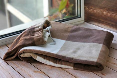Плед флисовый в чехле-тубусе коричневый 130х150 см