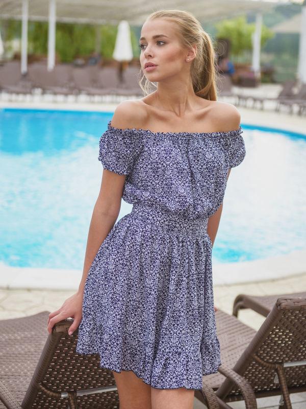 Платье на лето с открытыми плечами