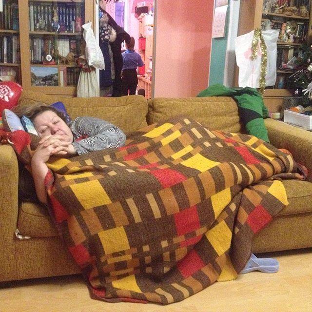 Тетя тряхнула спящего племянника 16 фотография