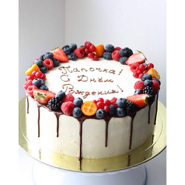 Торт с кремом чиз и фруктами