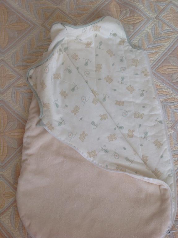 Спальные конверты, пеленка на липучках, пинеточки