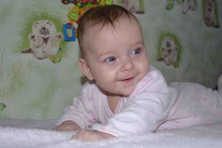 Лизочка (4 - 5 месяцев)