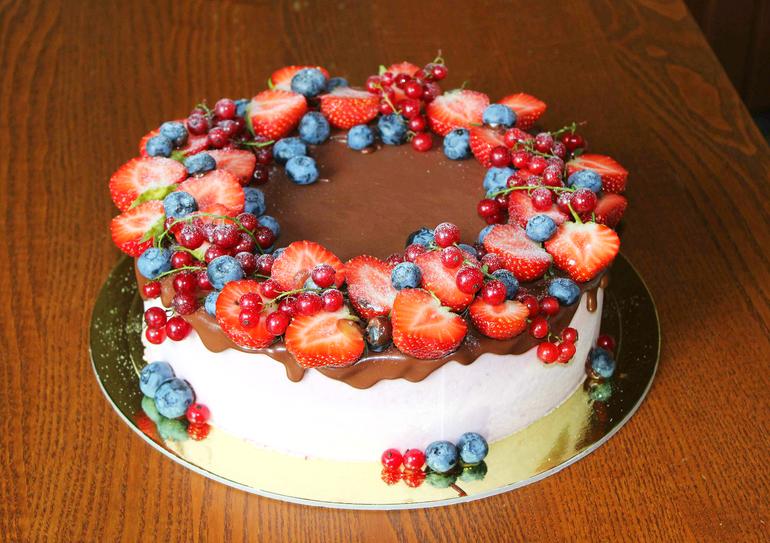 Детские торты украшенные фруктами фото
