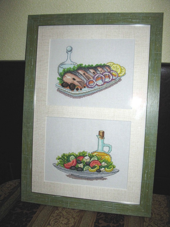 водочка, селедочка и греческий салат!