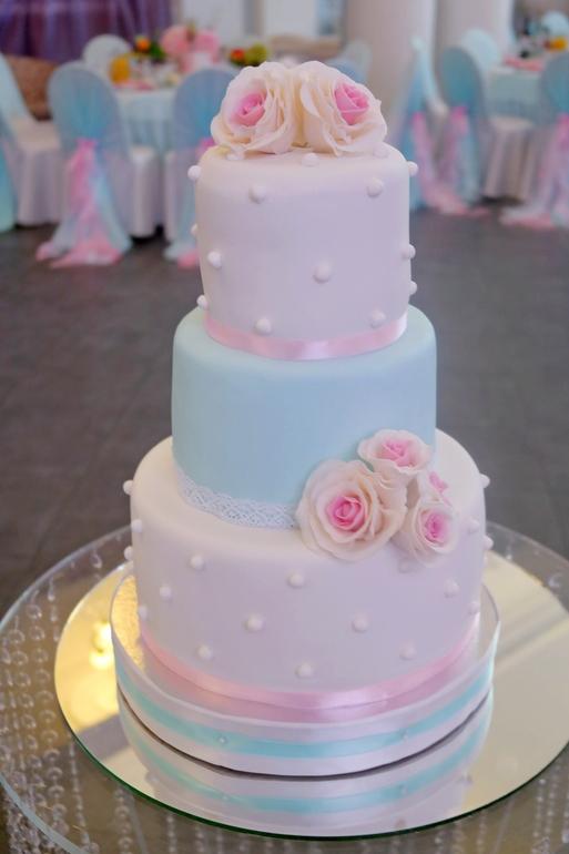 Свадебный торт розовый с голубым