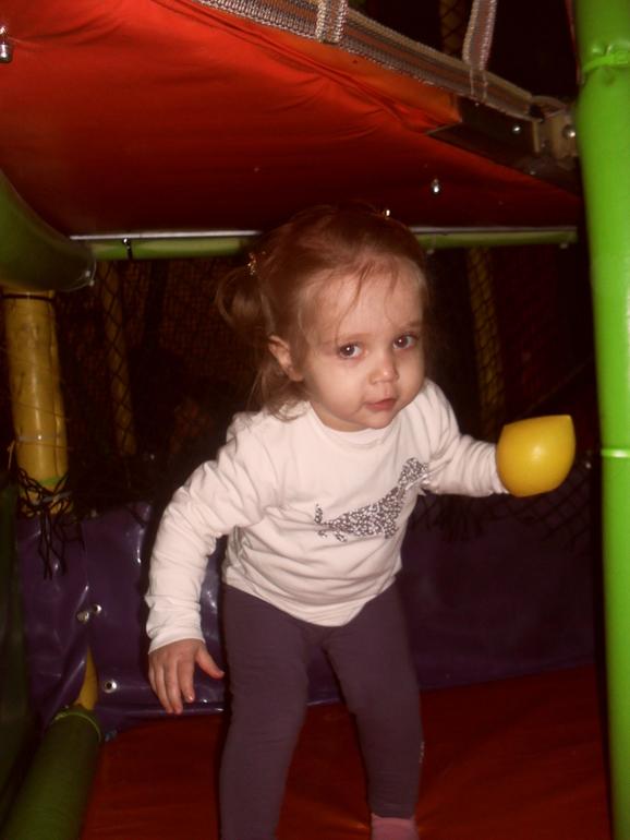 Анна годик и шесть  месяцев