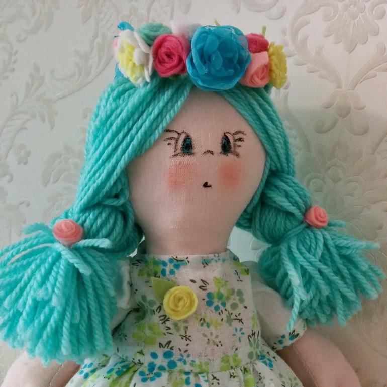 Нежная  куколка
