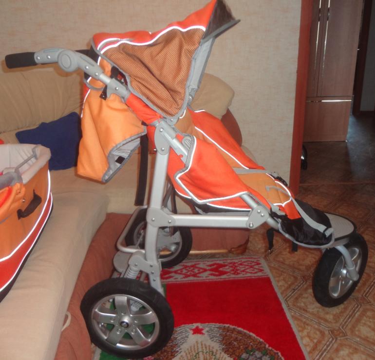 Трехколесная коляска Bebeton 2 в 1 - 5000р