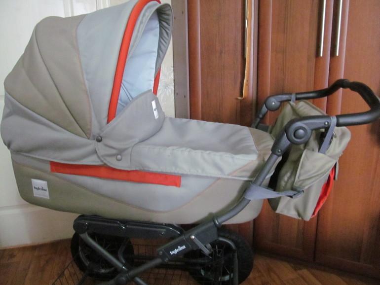 Продаю коляску  Inglesina vittoria (инглезина) + подарок.