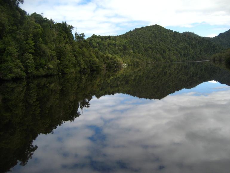 День 5й, Остров Сара, река Гордон и Строн