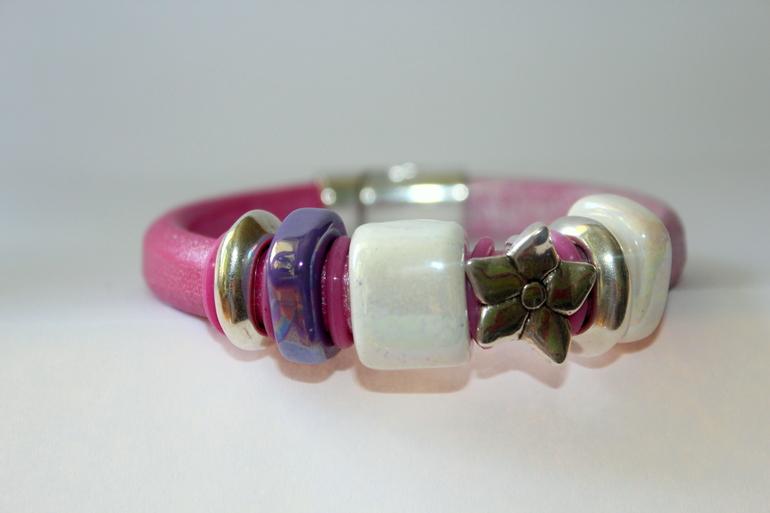 Оригинальные  браслеты  из  натуральной  кожи