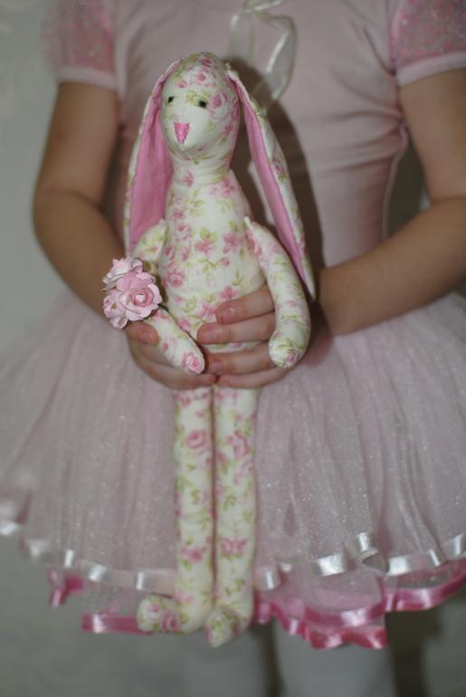 Цветочный заяц, хочется вены глядя на него)