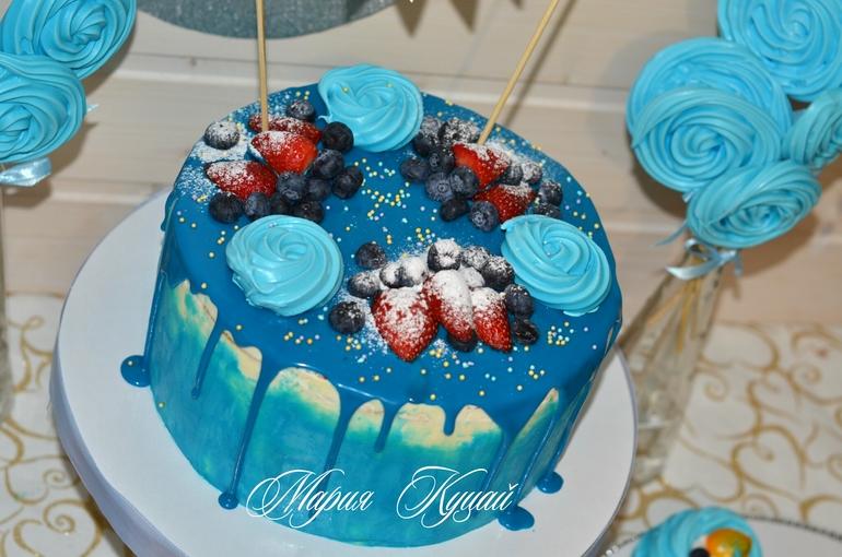 Как сделать на торт голубой 29