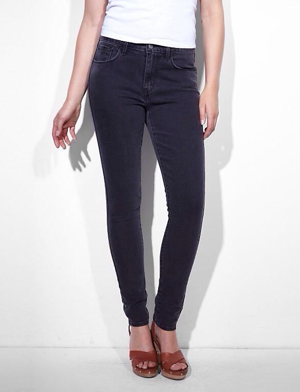 Примтраиваю  джинсы  Levis