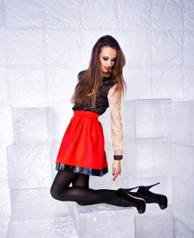 Черная Блузка И Красная Юбка В Москве