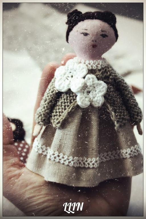 Кукла-брошь 7.