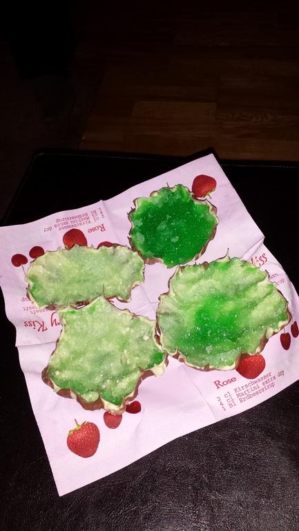 дочка сделала нам сладости
