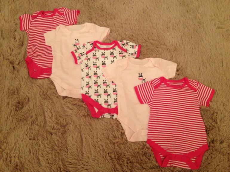 Первый гардероб для доченьки.)))